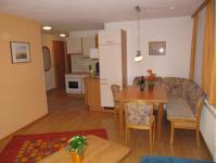 Wohnzimmer mit Küche Wohnung Venetblick