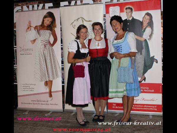 Modeschau beim Hohe Wand Genussmarsch 2017
