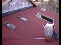 Bitumeneindeckung mit Dachfenster
