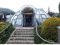 Der gläserne IGLU - CAFE  IGLU  PUB  PINGUIN