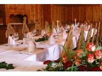 Der Zirbensaal für Feiern aller Art