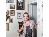 Inhaberin Susanne Sarwaryn mit dem MAX