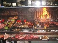 Du möchtest eine Firmengrillerei machen oder eine hast ein Familienfest und braucht das marinierte Fleisch und die Sauce?