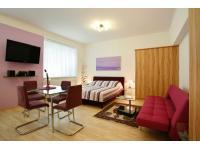 Wohnzimmer mit integrierter Küche: Studioapartment 38m2 mit WIFI und Klimaanlage