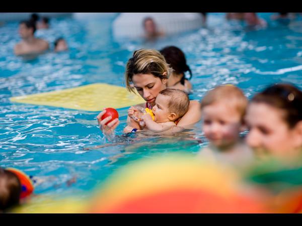 Schwimmkurse für unterschiedliche Altersgruppen