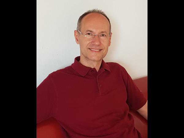 Dr. Michael Knoll