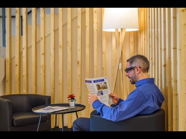 Vorschau - Zeitung lesen mit der OrCam MyEye