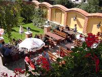 Gastgarten im Innenhof