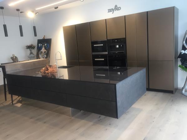 zeyko k chen. Black Bedroom Furniture Sets. Home Design Ideas