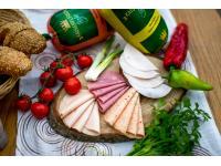 Wurst mit 0 % Fett: Murtaler Hühnerextrawurst, Hühnerpikante, Hühnerschinken, Rindersaftschinken...