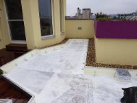 Erdeinfassung auf einer Wiener Dachterrasse