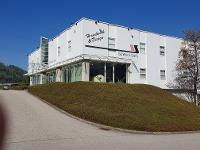 Schiffer & Sams GmbH & Co KG