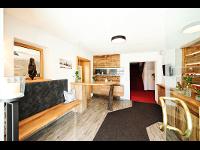 Hoteleingang & Rezeption: Hotel Garni Dr. Köhle   Serfaus-Fiss-Ladis