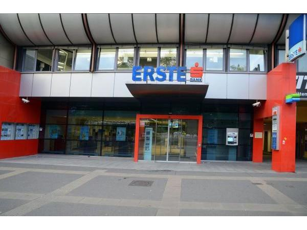 Erste Bank Filiale Keplerplatz In 1100 Wien Heroldat
