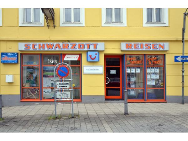 Vorschau - Foto 1 von Schwarzott Friedrich Reisebüro Autobusunternehmen GesmbH