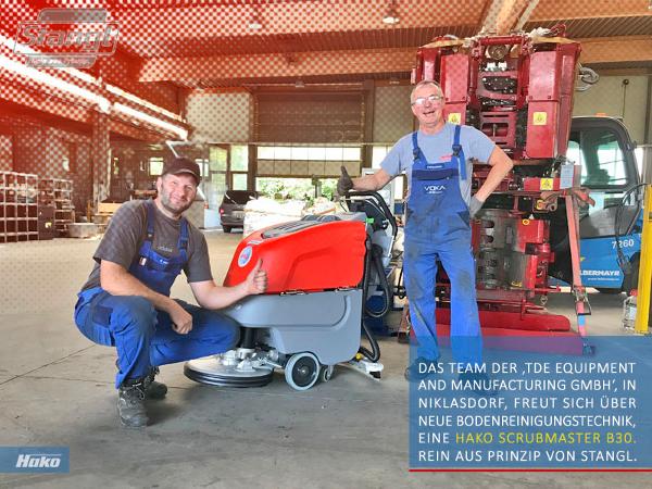 Industriebetrieb in Niklasdorf freut sich über eine neu Hako Scrubmaster B30 von Stangl.