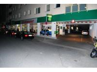 Diskont - Tankstelle Strohmeier am Hundsturm im 5. Bezirk