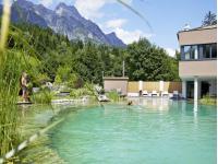 Der Bio-Schwimmteich mit ca. 25 m Länge