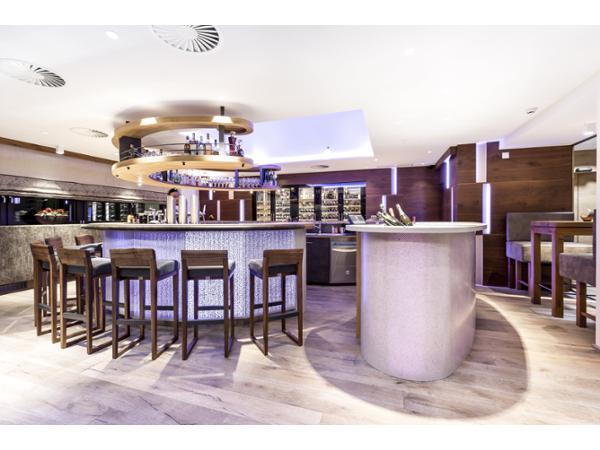 Das Central Bar