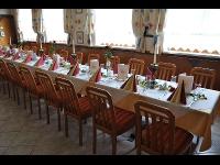 Saal, Restaurant