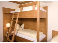 Kinderzimmer mit Stockbett im Apparement Top 8