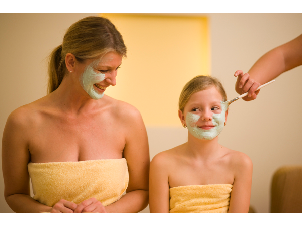 Beautyanwendungen für Groß und Klein