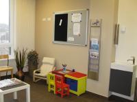 Wartebereich auch für Kinder