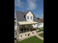Terrassendach mit Dach-Markise
