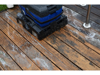 Holzterrassenreinigung