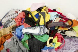 Wäsche, Wäschehaufen, Kleidung, Ausmisten, Kleiderschrank, Flohmarkt, Second Hand,