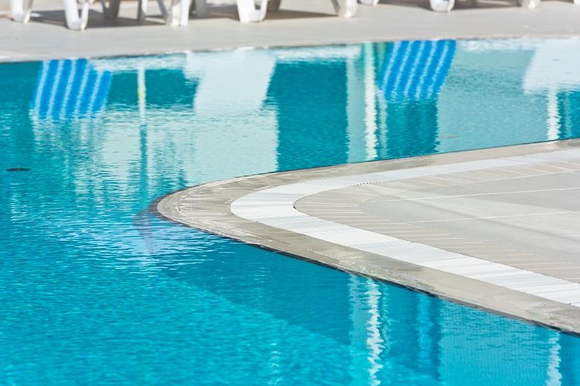 Swimmingpool Kosten Bauart