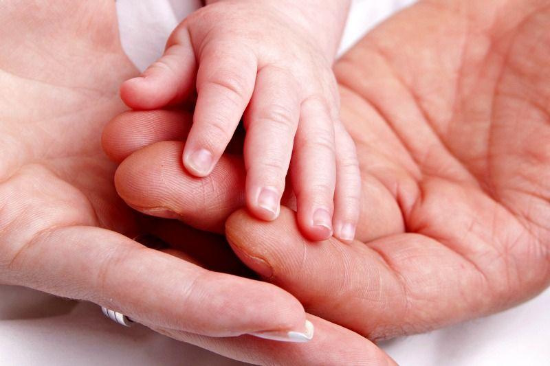Wunschbaby: Künstliche Befruchtung in der Kinderwunschklinik