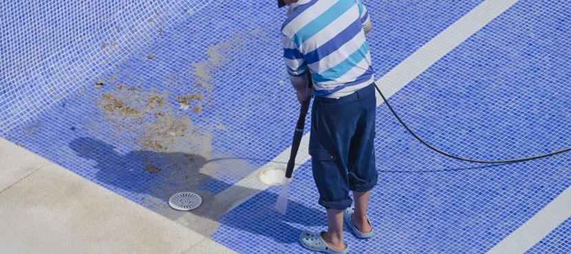 Pool Reinigen Nach Dem Winter In 10 Schritten Herold At