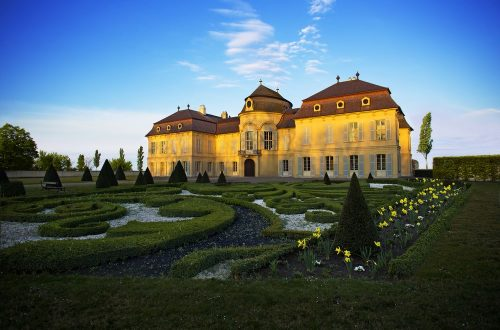 die schönsten schlossgärten in österreich