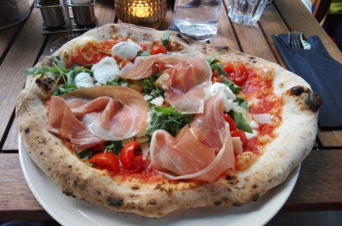 Neapolitanische Pizza im L'autentico Giardino, Bild (c) Claudia Busser - HEROLD.at