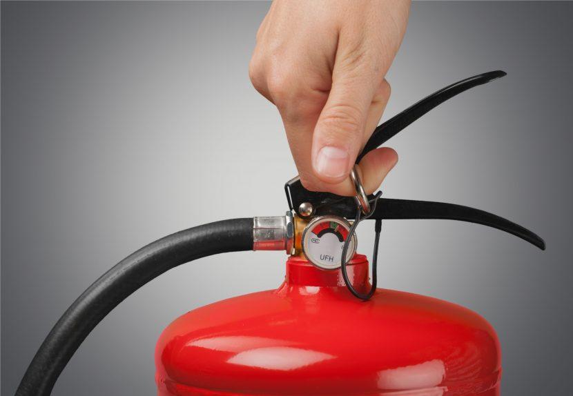Feuerlöscher überprüfen