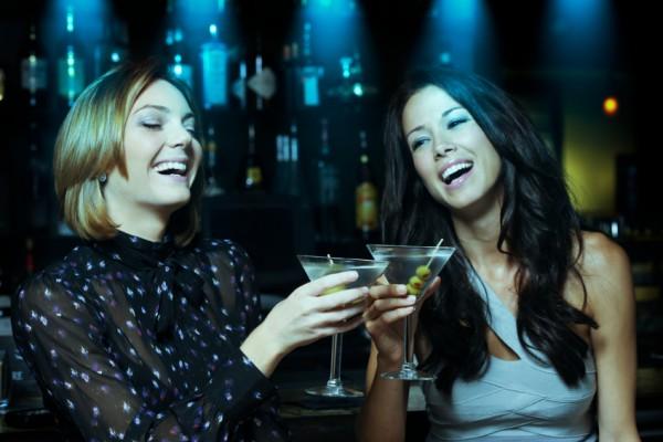 Bar_cocktails_ausgehen