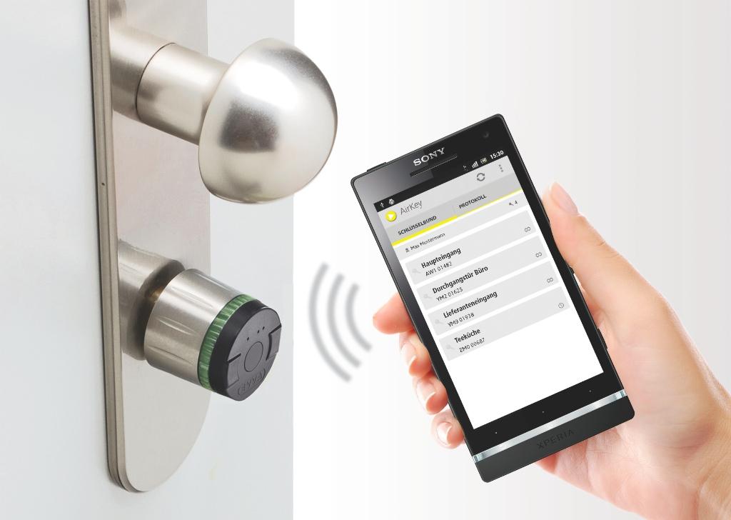 nuki combo elektronisches t rschloss smart lock und bridge automatischer t r ffner mit. Black Bedroom Furniture Sets. Home Design Ideas