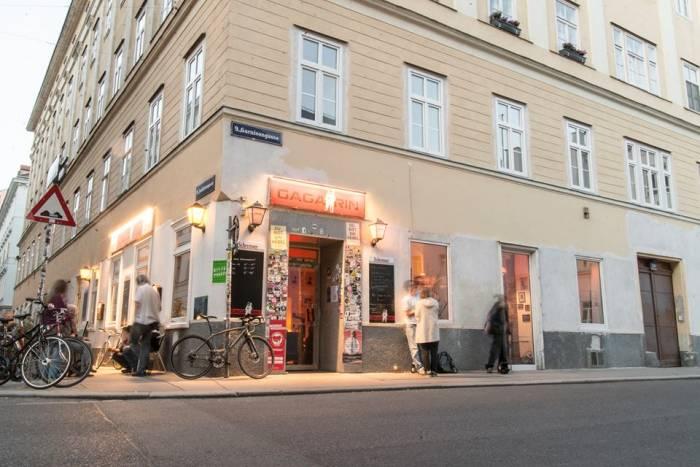 Cafe Gagarin - ein ganz spezielles veganes Restaurant in Wien, Foto (c) gagarin auf fb