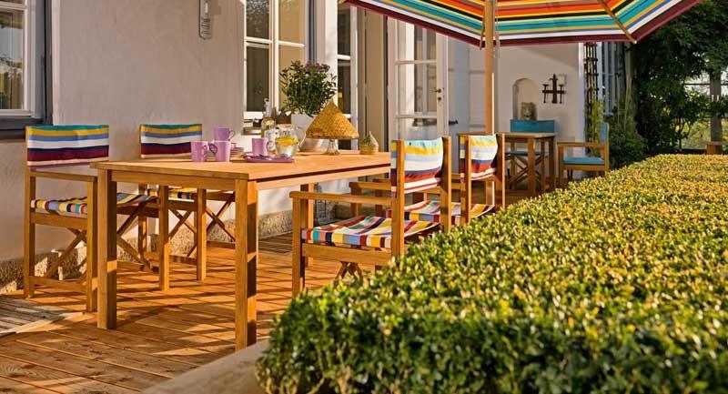Gartenmobel Set Metall Holz : blaha gartenmöbel, Farbenfrohe Teakholz Sitzgruppe