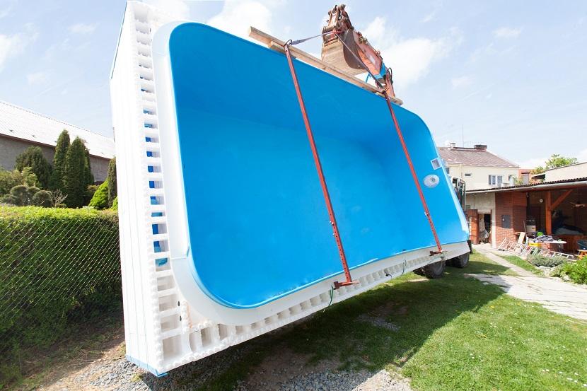 ein fertigbecken der schnelle traum zum eigenen pool adobe stock c rades. Black Bedroom Furniture Sets. Home Design Ideas