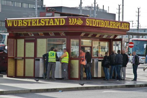 suedtirolerplatz Würstelstand, 10 einzigartige Würstelstände in Wien
