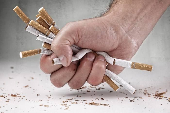 Rauchen Aufhören Stock-Fotos und Bilder - Getty Images