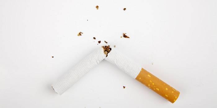 Ich will aufhören zu rauchen. Die 5 besten Tipps von HEROLD.at zur Raucherentwöhnung. Foto: Shutterstock, mert can dogan