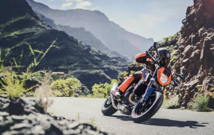 KTM 690 DUKE R © KTM Sportmotorcycle