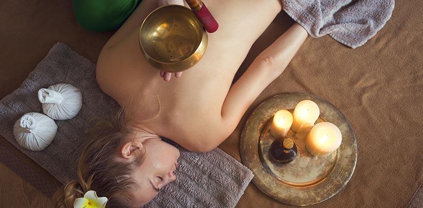 Massagearten: Klangschalenmassage