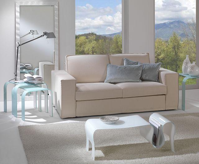 Zierliche Glasdesignmöbel für kleine Räume