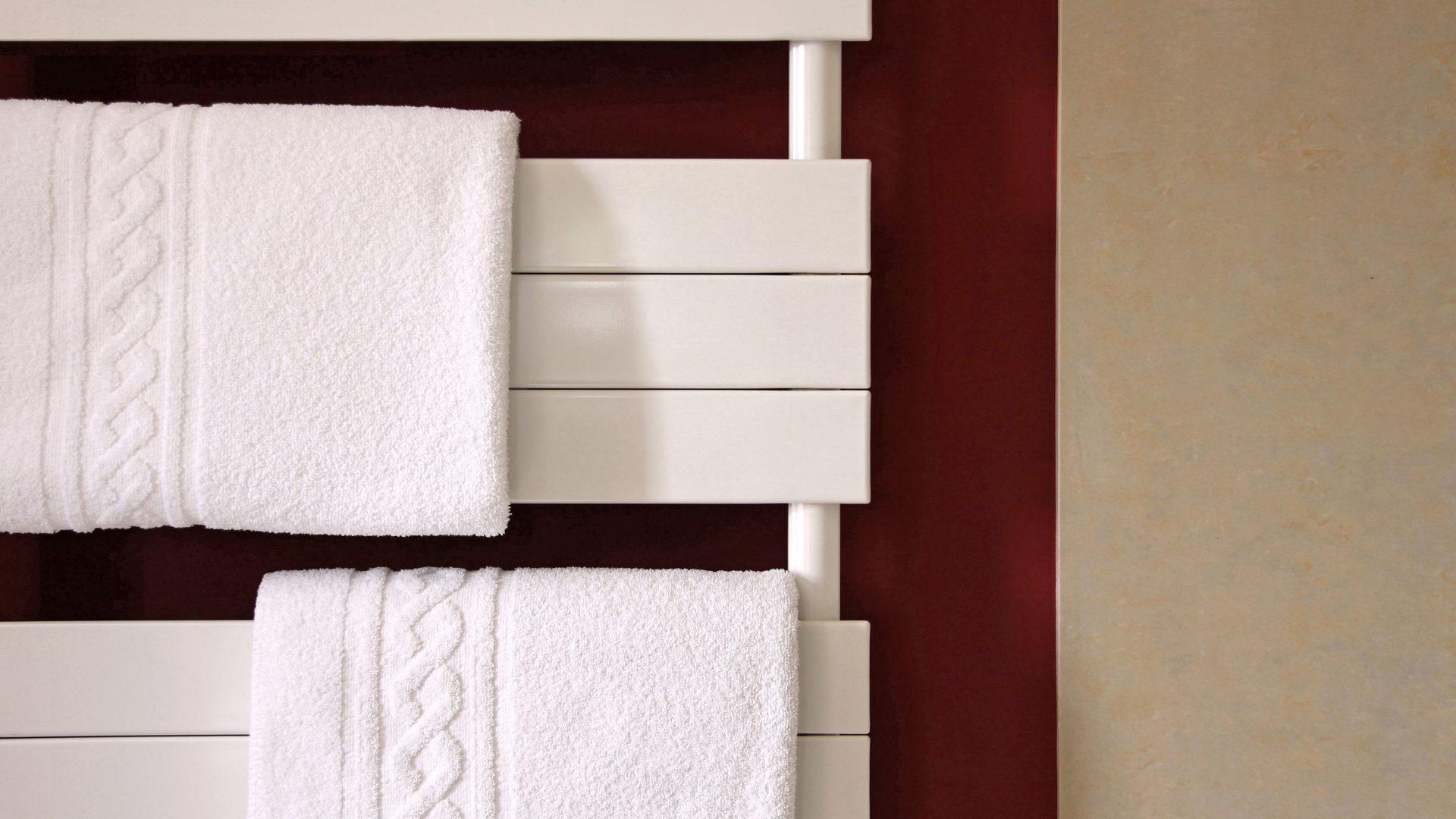 badezimmer heizung. Black Bedroom Furniture Sets. Home Design Ideas