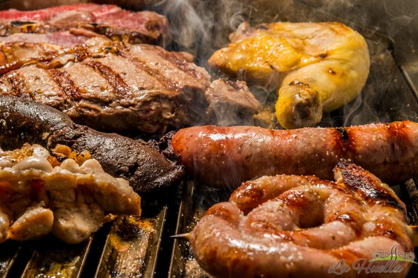 La Huella, argentinisches Steakhouse Wien, Blick auf den Grill, Bild (c) La Huella