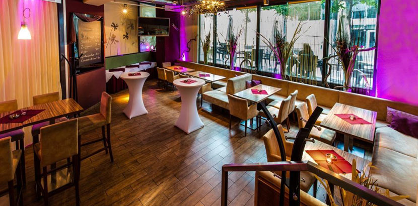 Innenansicht des Cafe Restaurant Bar Ausklang - perfekt zum Geburtstag feiern!
